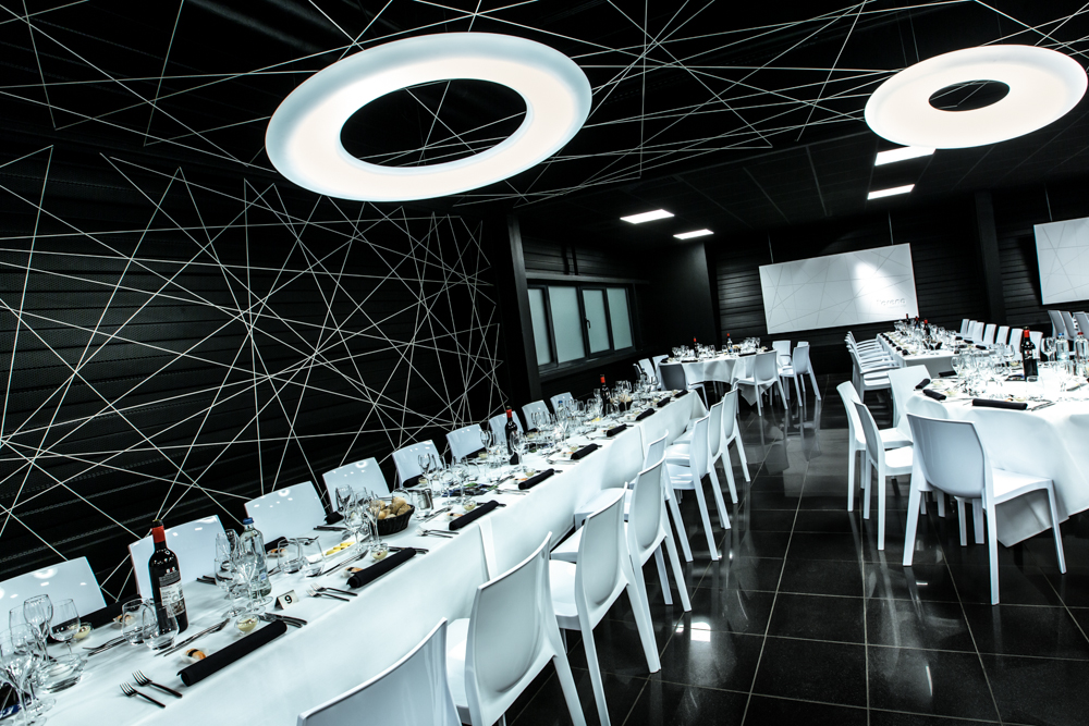 Axiome architecture restaurant vip mons arena